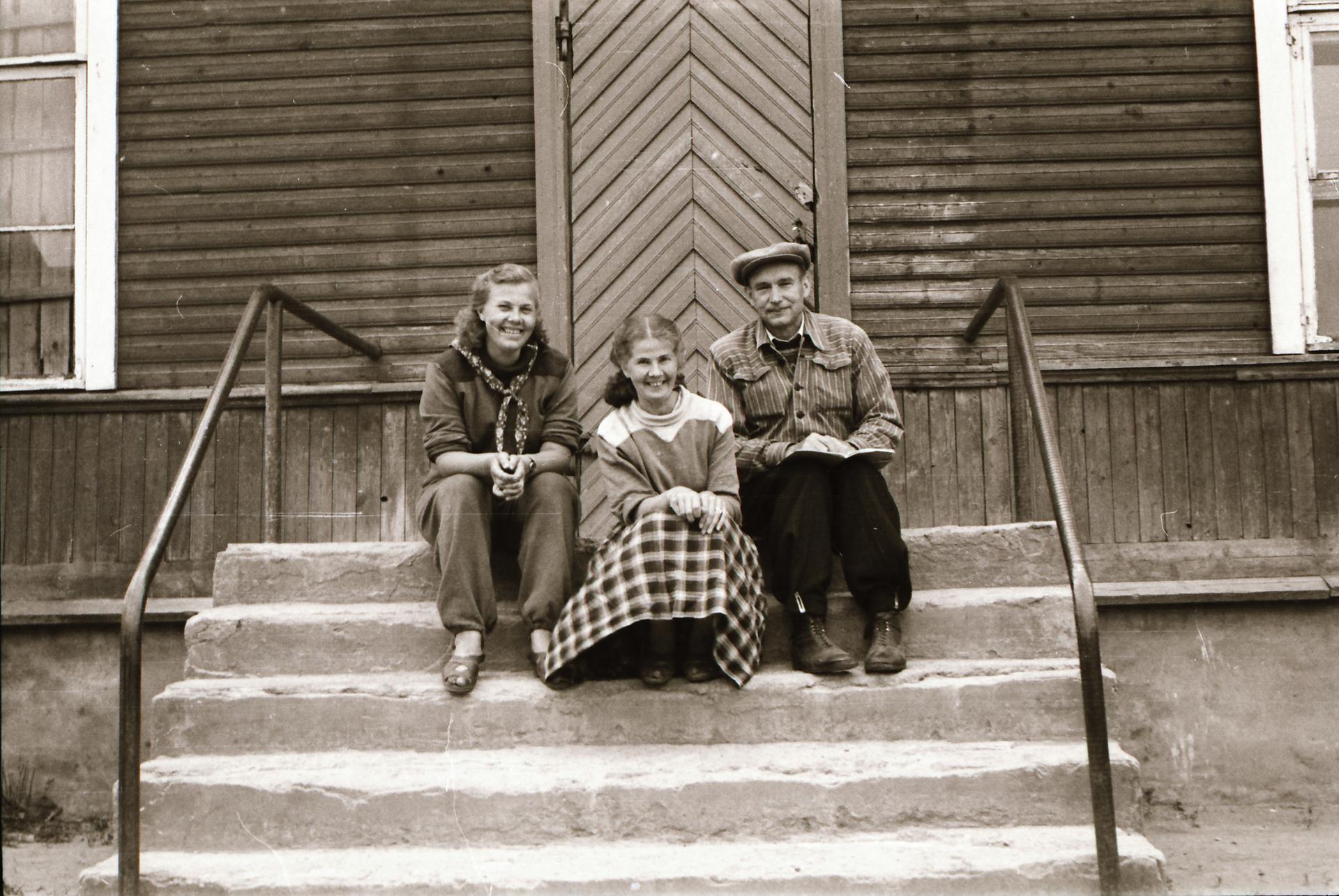20006ee2b37 Käsikirjapiltide ja tekstistustena on avaldatud päevikud 1960. aastate  lõpuni, hilisematega saab tutvuda Eesti Rahvaluule Arhiivis kohapeal.